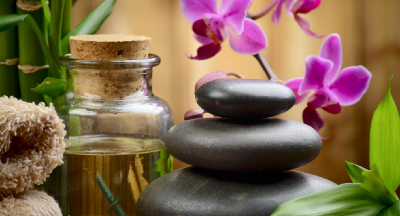 Aroma Oel Massage