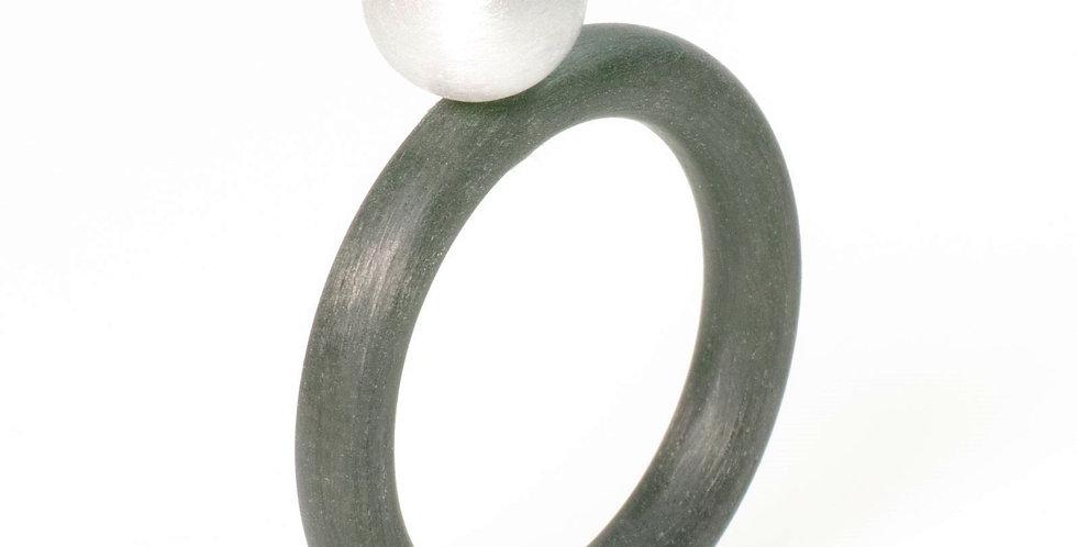 Ring mit Silberkugel