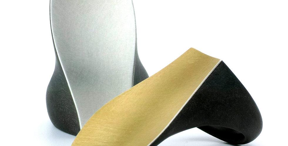 Lang geformter Carbonring mit Edelmetalauflage