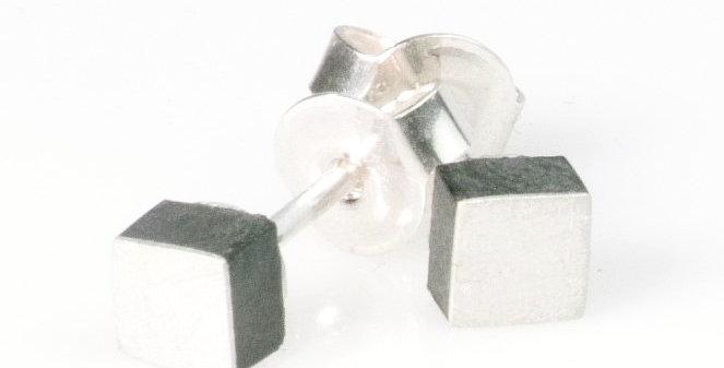 Quadratische Ohrstecker - Silber/Carbon