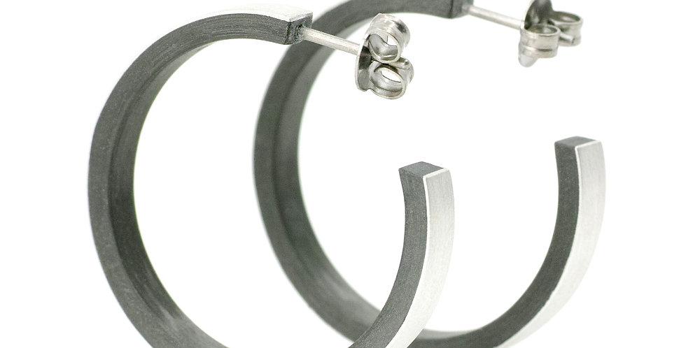 Carboncreolen mit Silberauflage und Titanstiften
