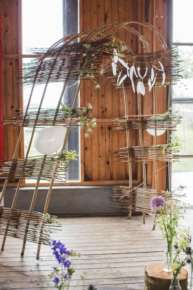 >>> wedding gazebo with flowers & fe