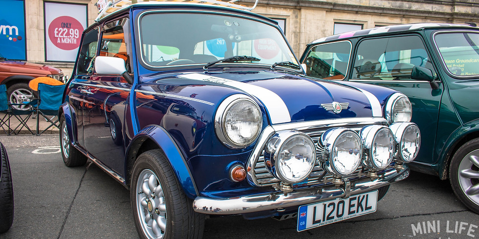 Mini Life's Monthly Meet at The Lodge Inn