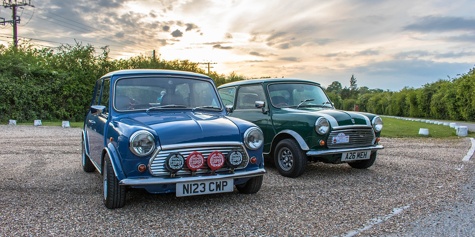 Mini Life's Monthly Meet at The Lodge Inn (1)