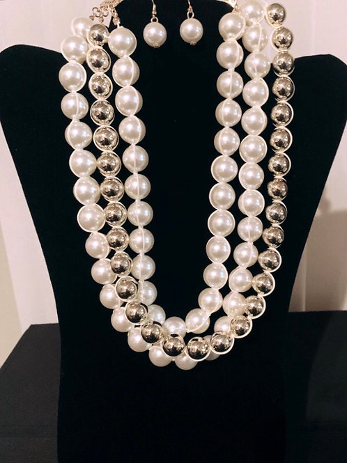 Gold & Pearls Necklace Set