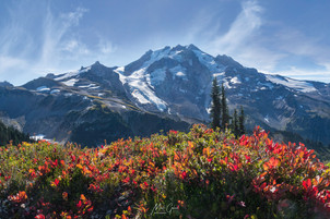 Fall colors below Glacier Peak