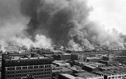 Tulsa_race_riot_inflames-1921.jpg