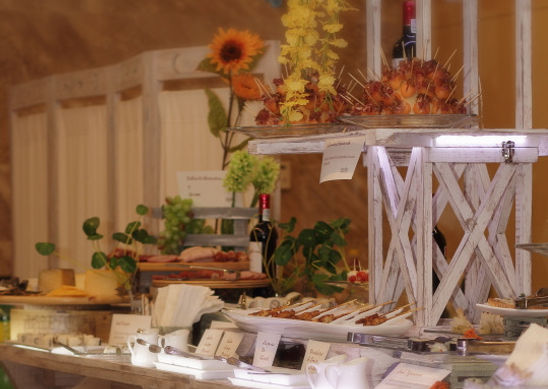Mesa Española de Idealite Vinos & Gourmet