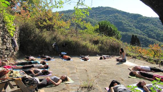 Kundalini Yoga 200h Training - Sadhana