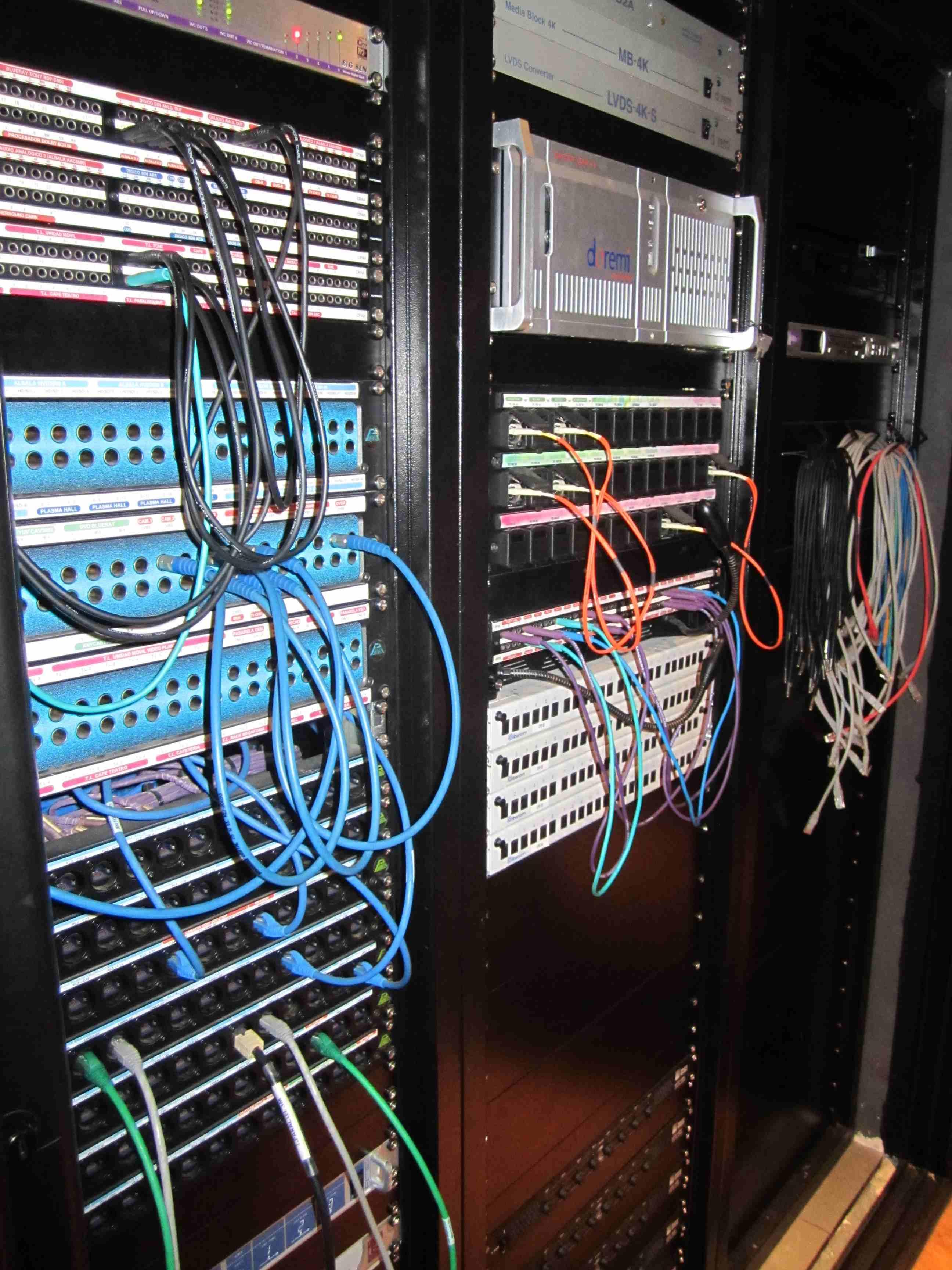 007 Control Audio y Vídeo Rack.JPG