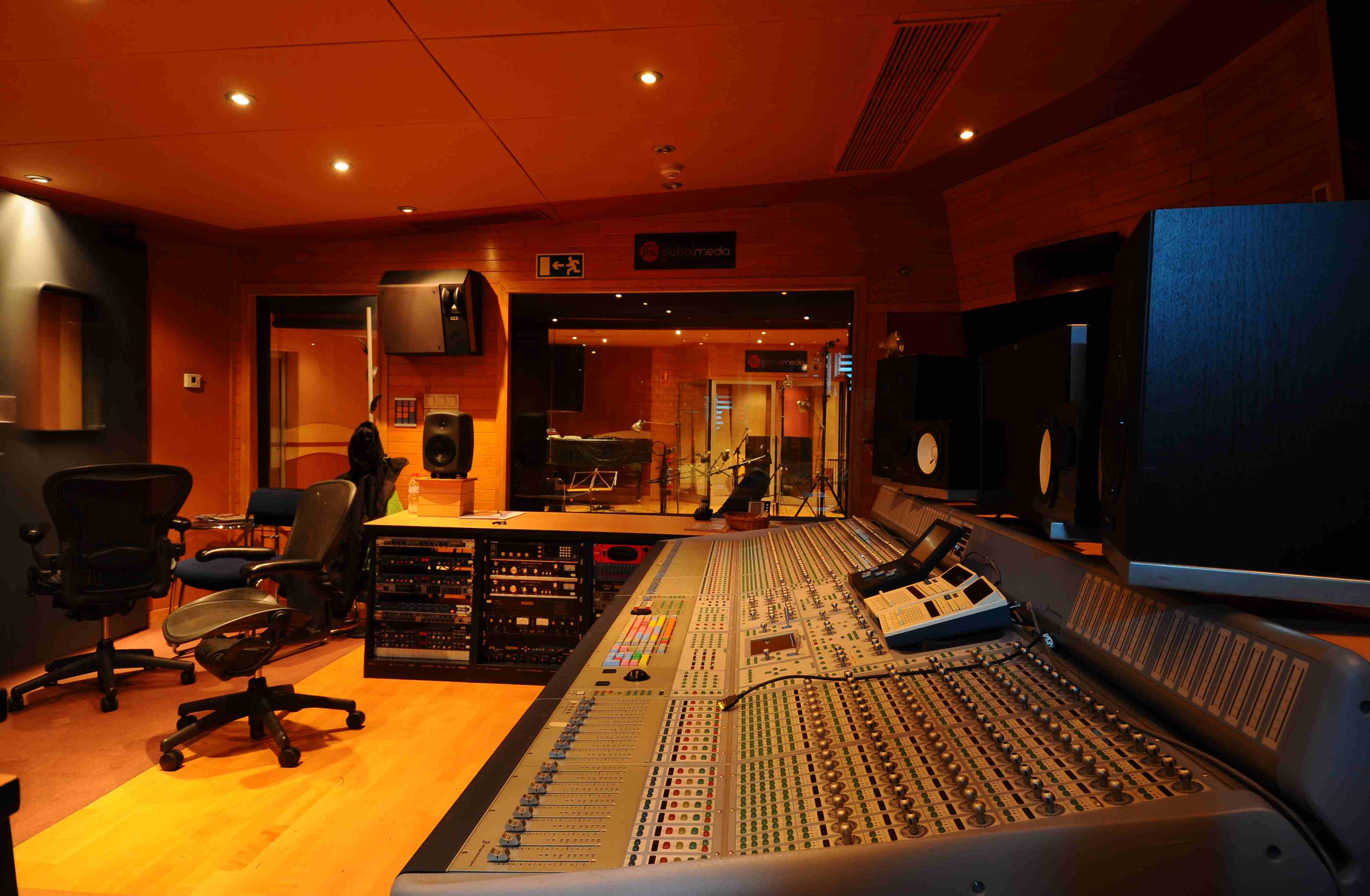 004 Control Estudio Audio 1.JPG