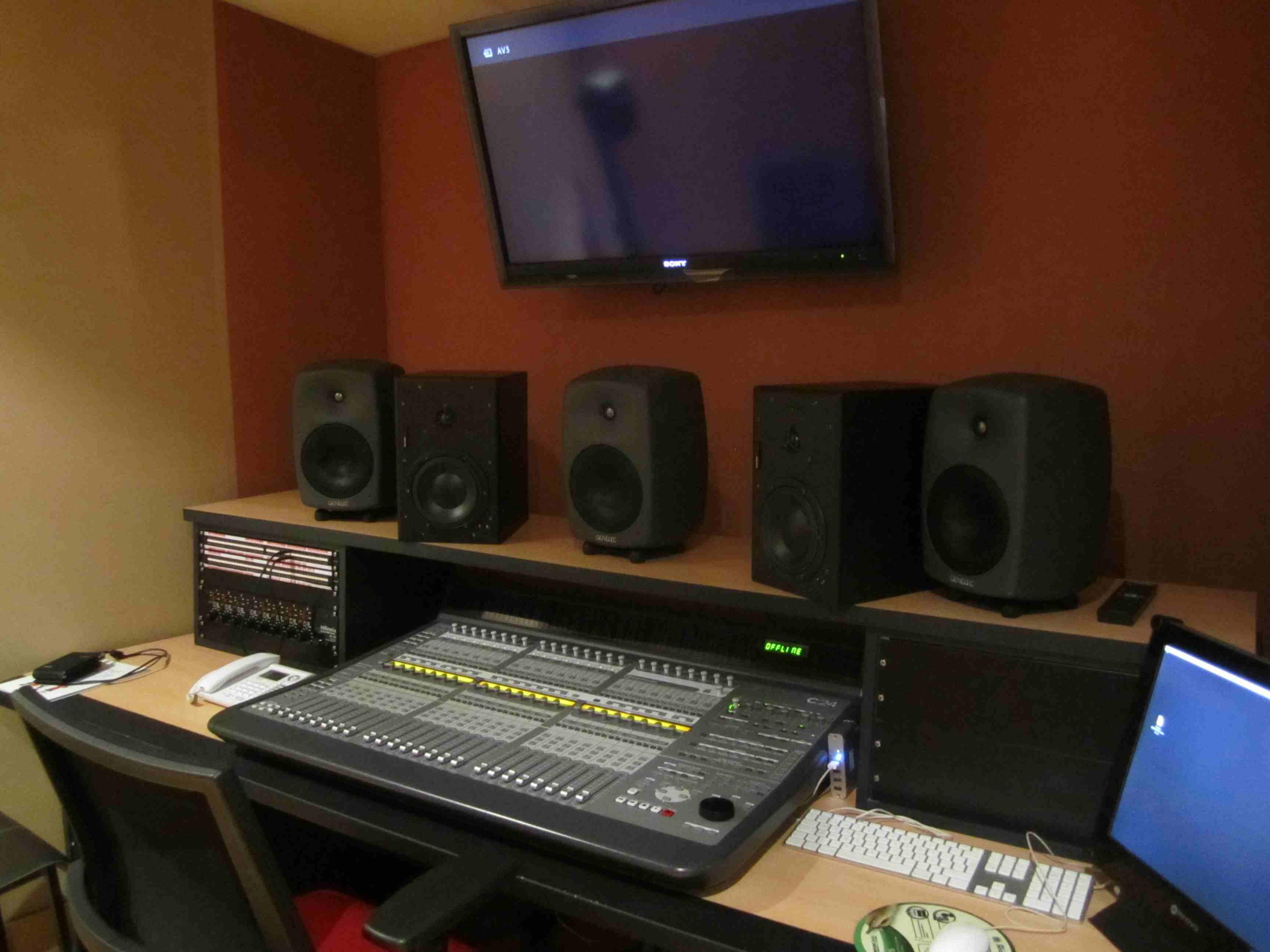 014 Estudio Audio.JPG