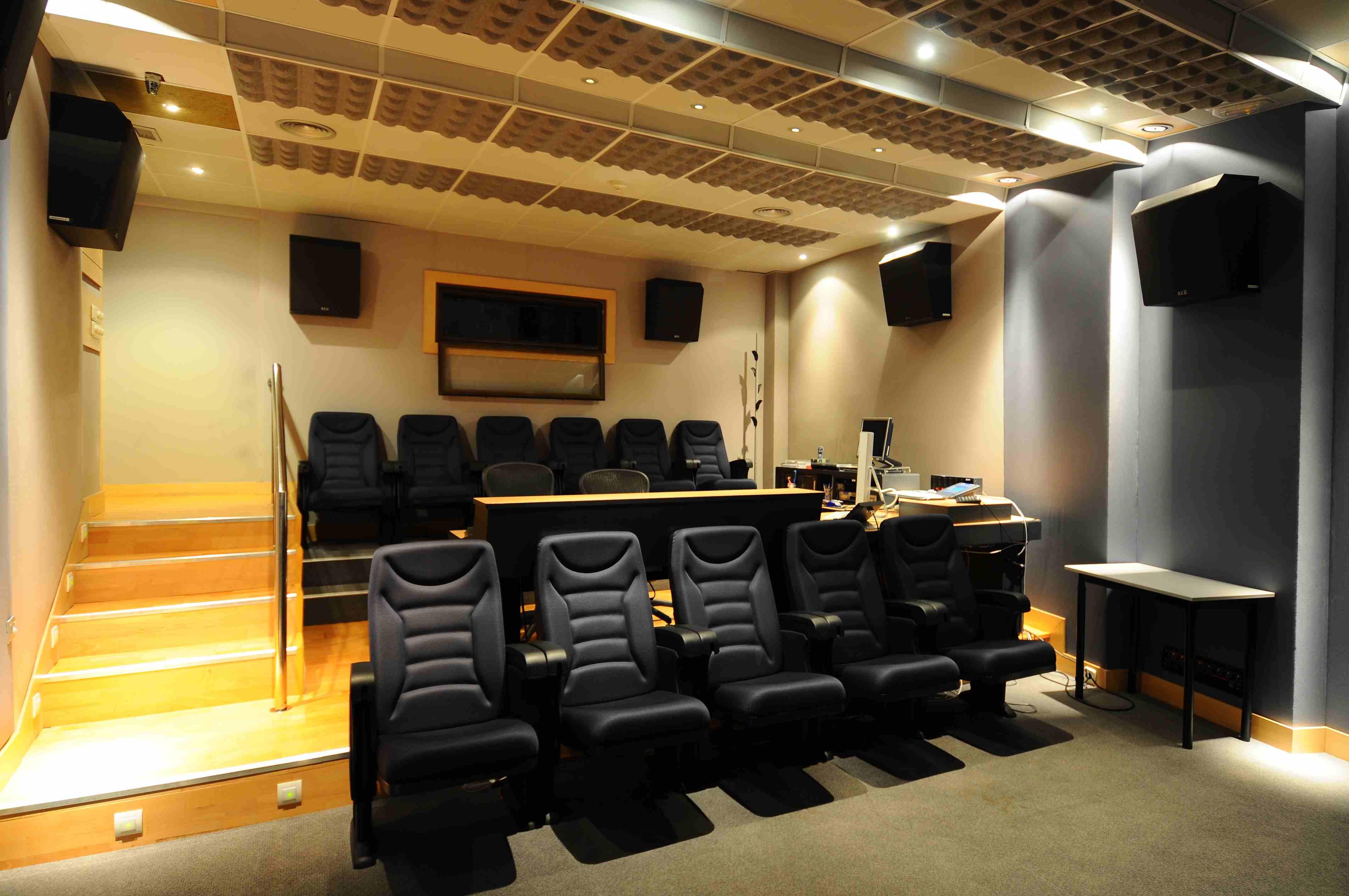 029 Sala Audio Cine.JPG