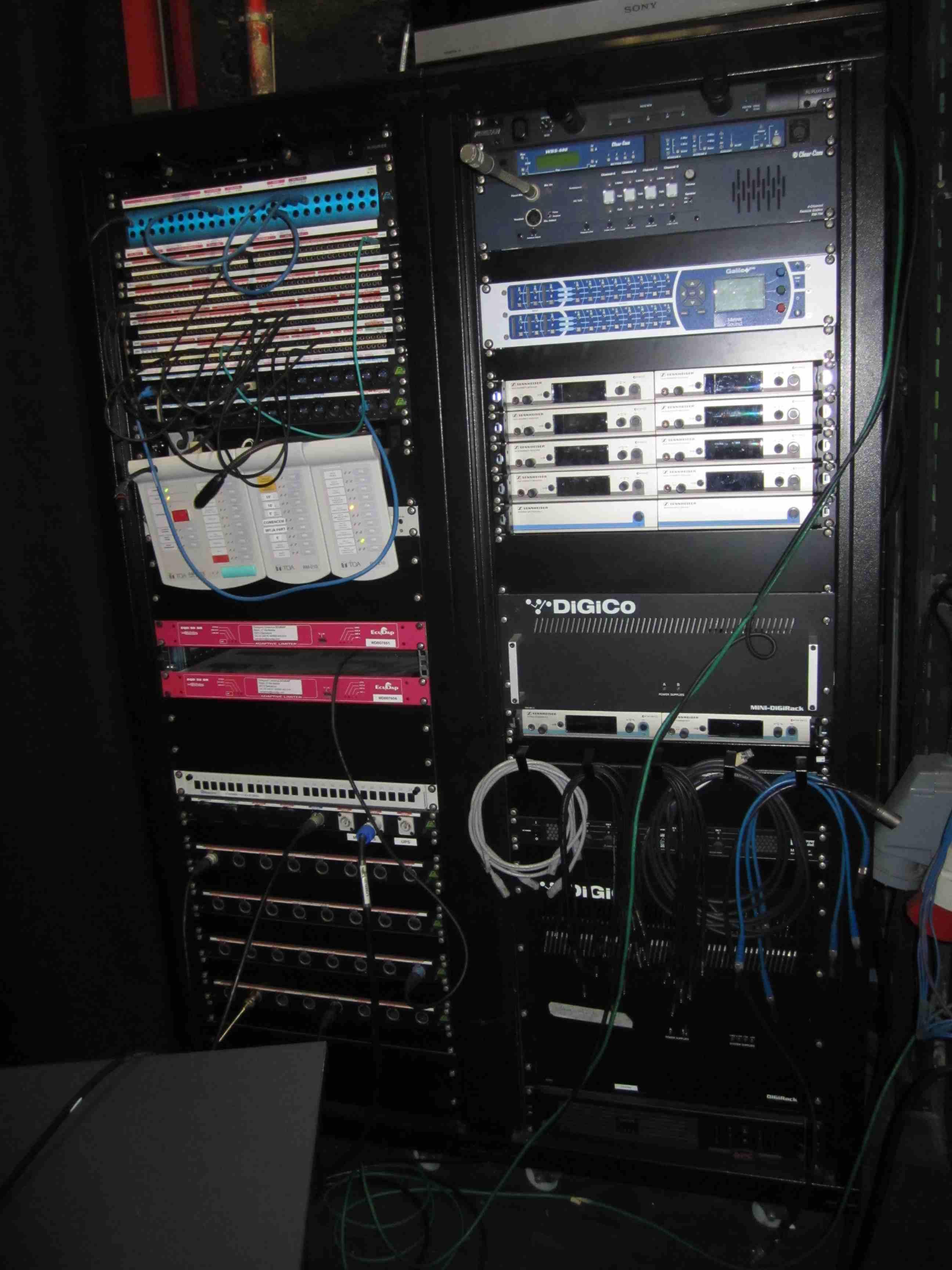 009 Esceanario Rack.JPG