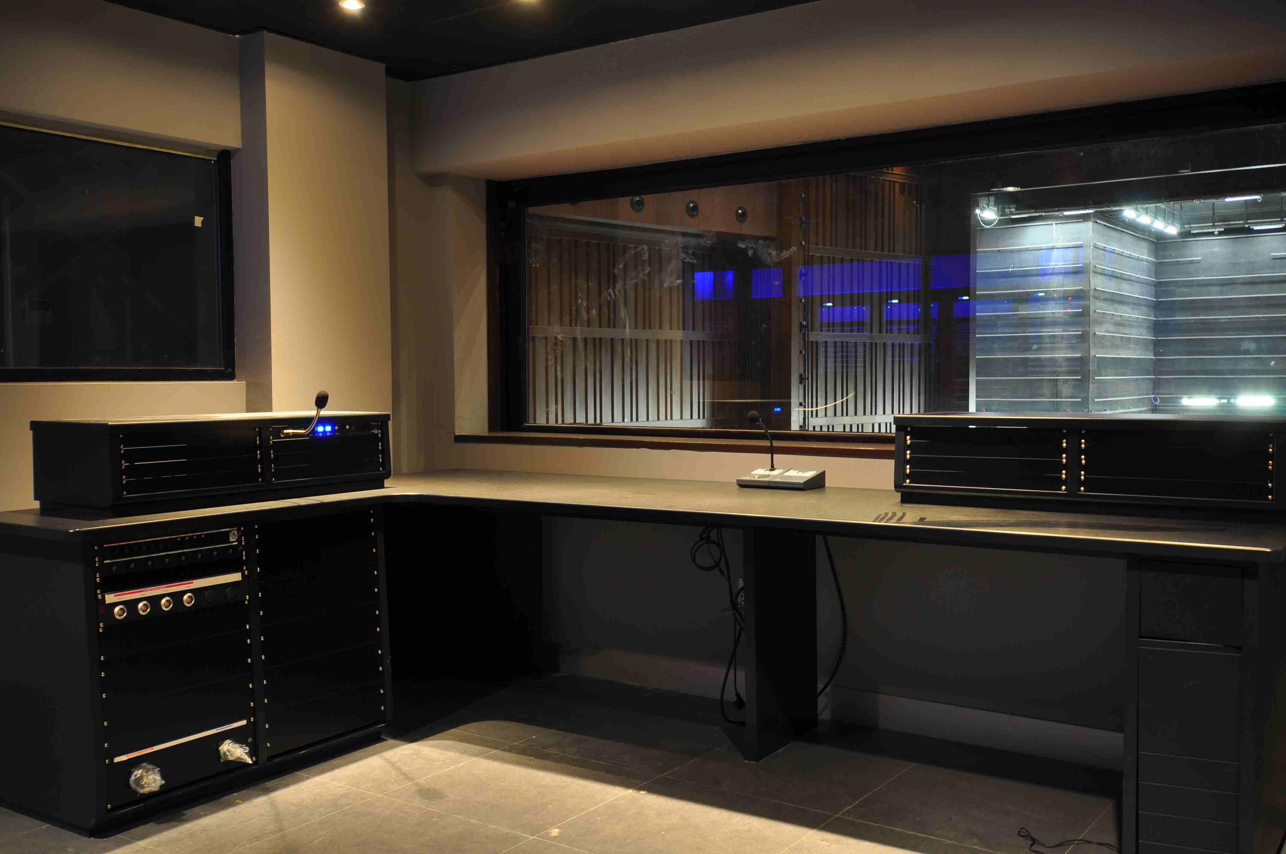 006 Control Central Mueble Audio.JPG