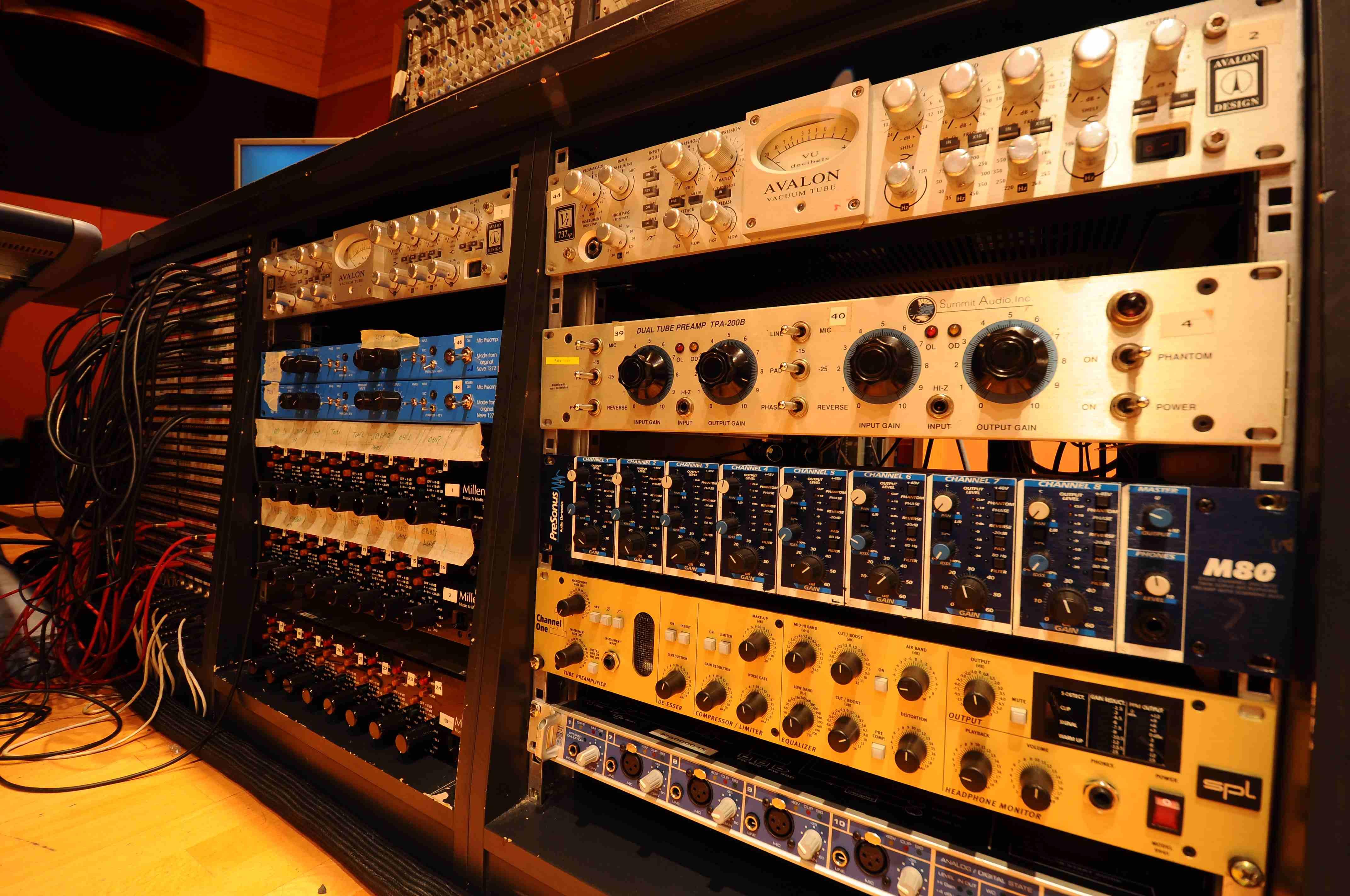 008 Control Estudio Audio 1.JPG