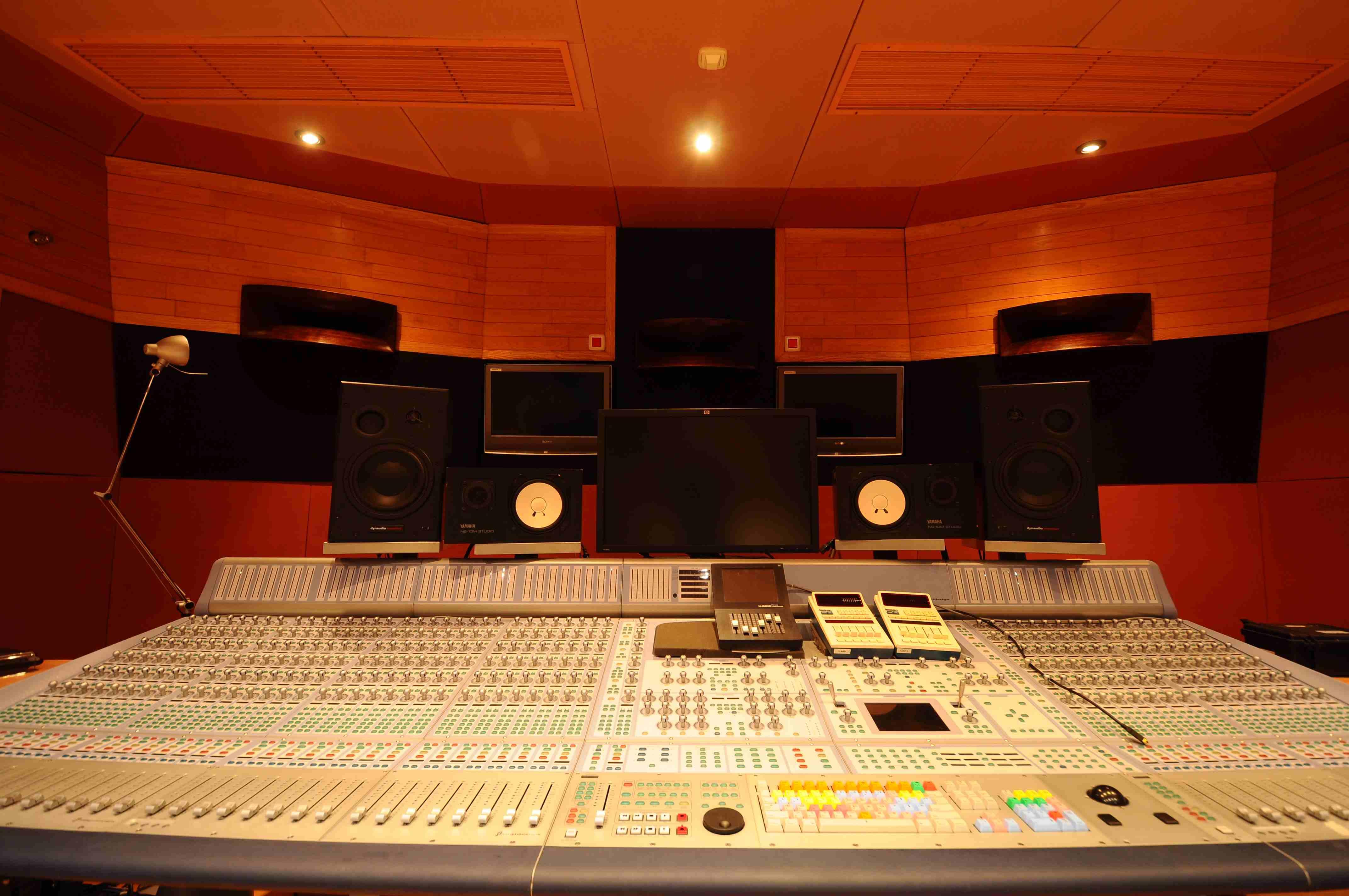 002 Control Estudio Audio 1.JPG