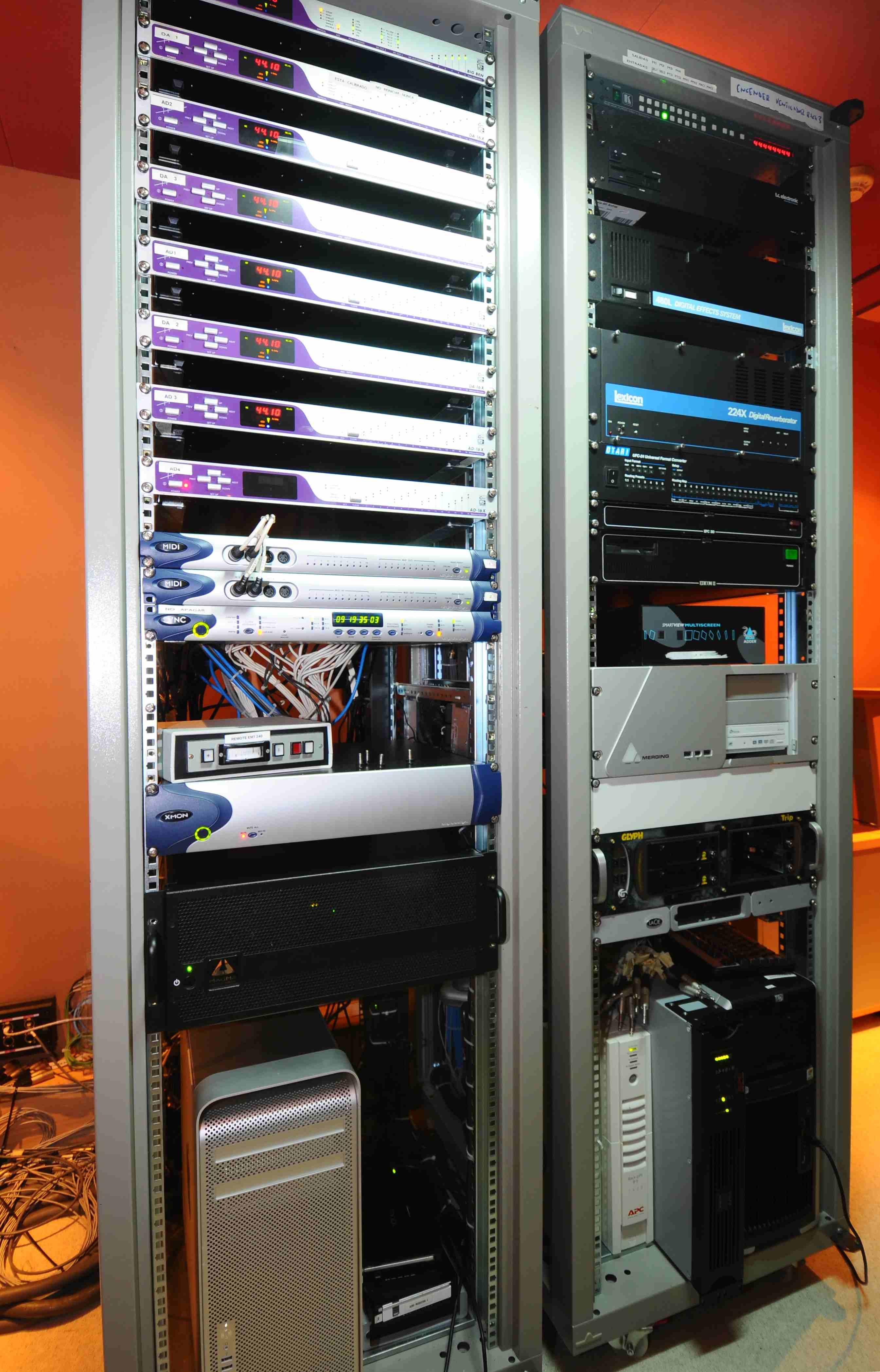 010 Control Estudio Audio 1.JPG