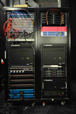 011 Escenario Rack Front.JPG