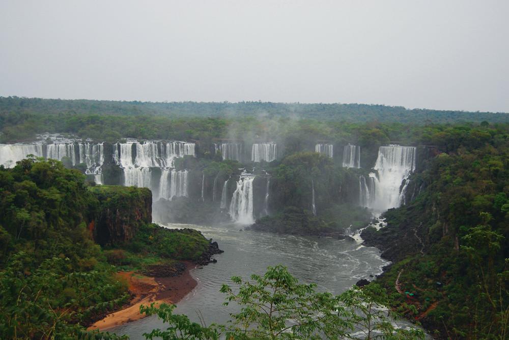 South America_Iguassu Falls Brazil_SR.jp