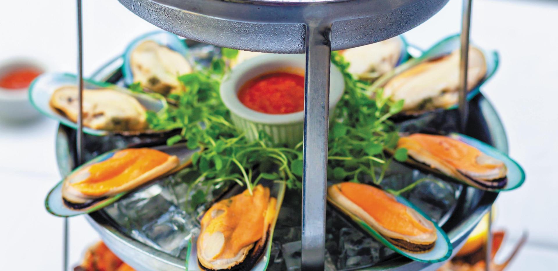 RCI_AL_ChopsGrill_SeafoodTower_2018_CGar