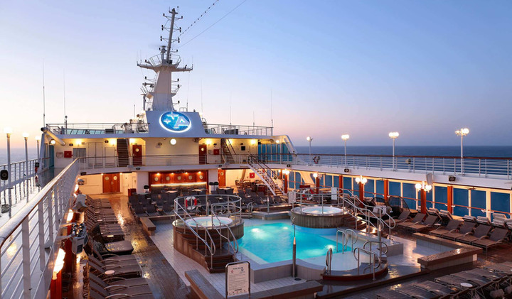 pool_deck_sunrise_horizontal.jpg