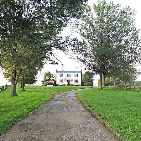Farmhouse_4951_edited.jpg