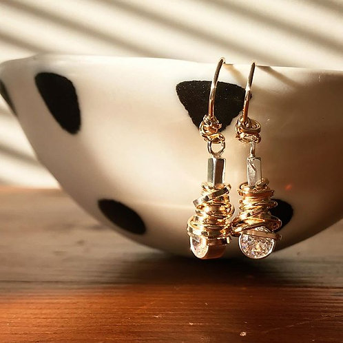 6 mm Coiled Stone Earring (14 kt gold-fill)