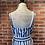 Thumbnail: Robe rayée grise et blanche avec ceinture
