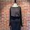 Thumbnail: Robe noire avec rond plissé au dos