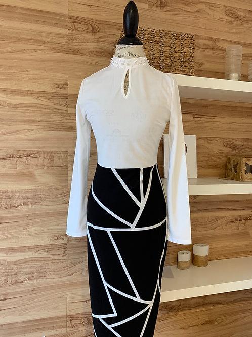 Robe longue noire et blanche