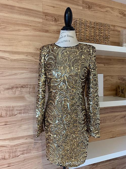 Robe avec épaulettes en paillettes dorées