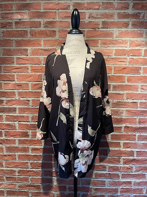 Veste style kimono noir avec grosses fleurs