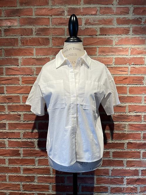 Chemise blanche avec manches courtes
