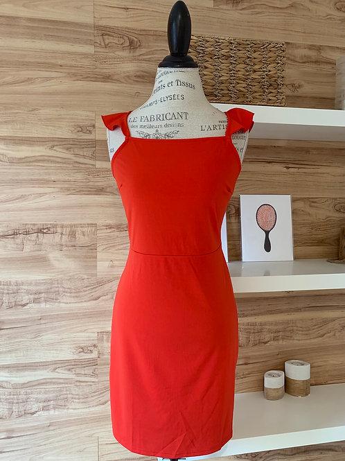Robe rouge avec attache au dos