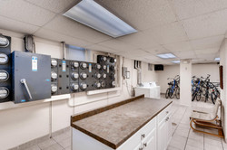 1901 Stevens Ave S 205-large-013-5-Laundry Room-1500x1000-72dpi