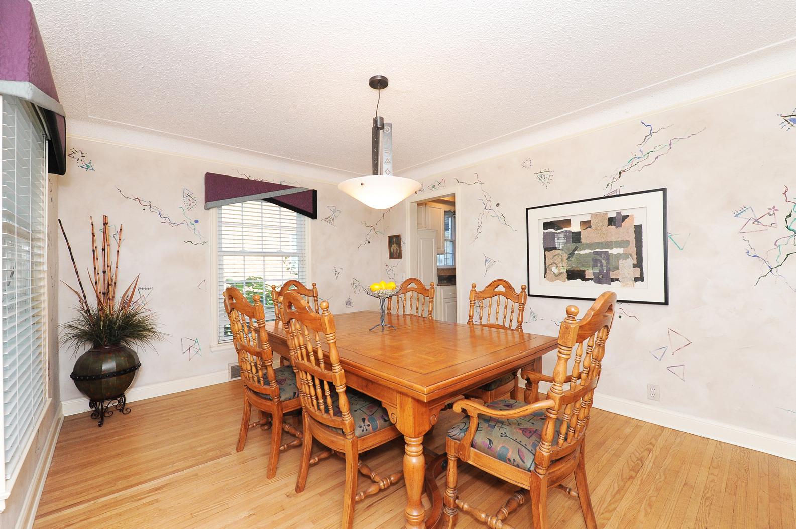 5.  Dining Room 1