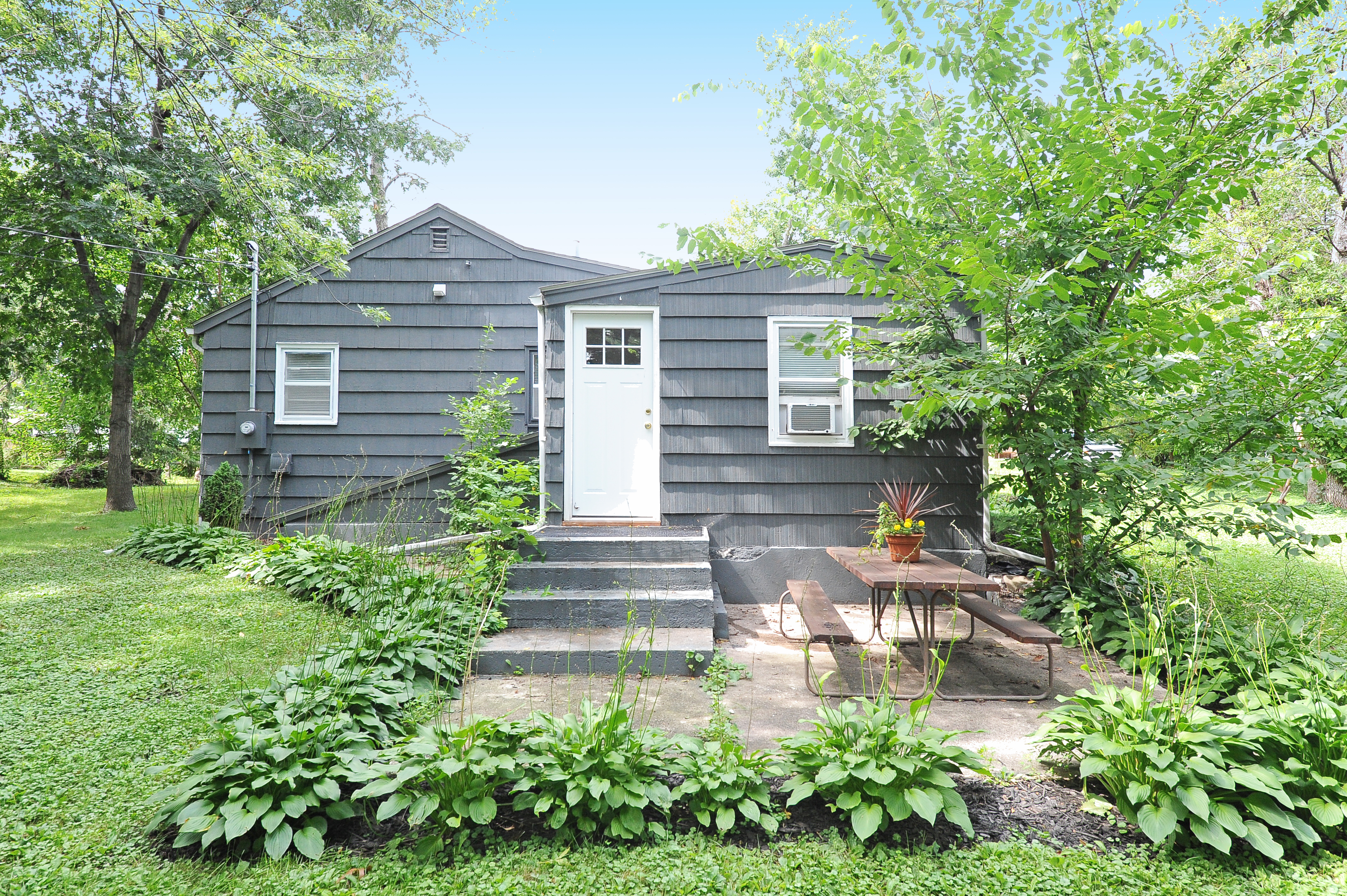 8651 Dupont Ave S: Back Exterior