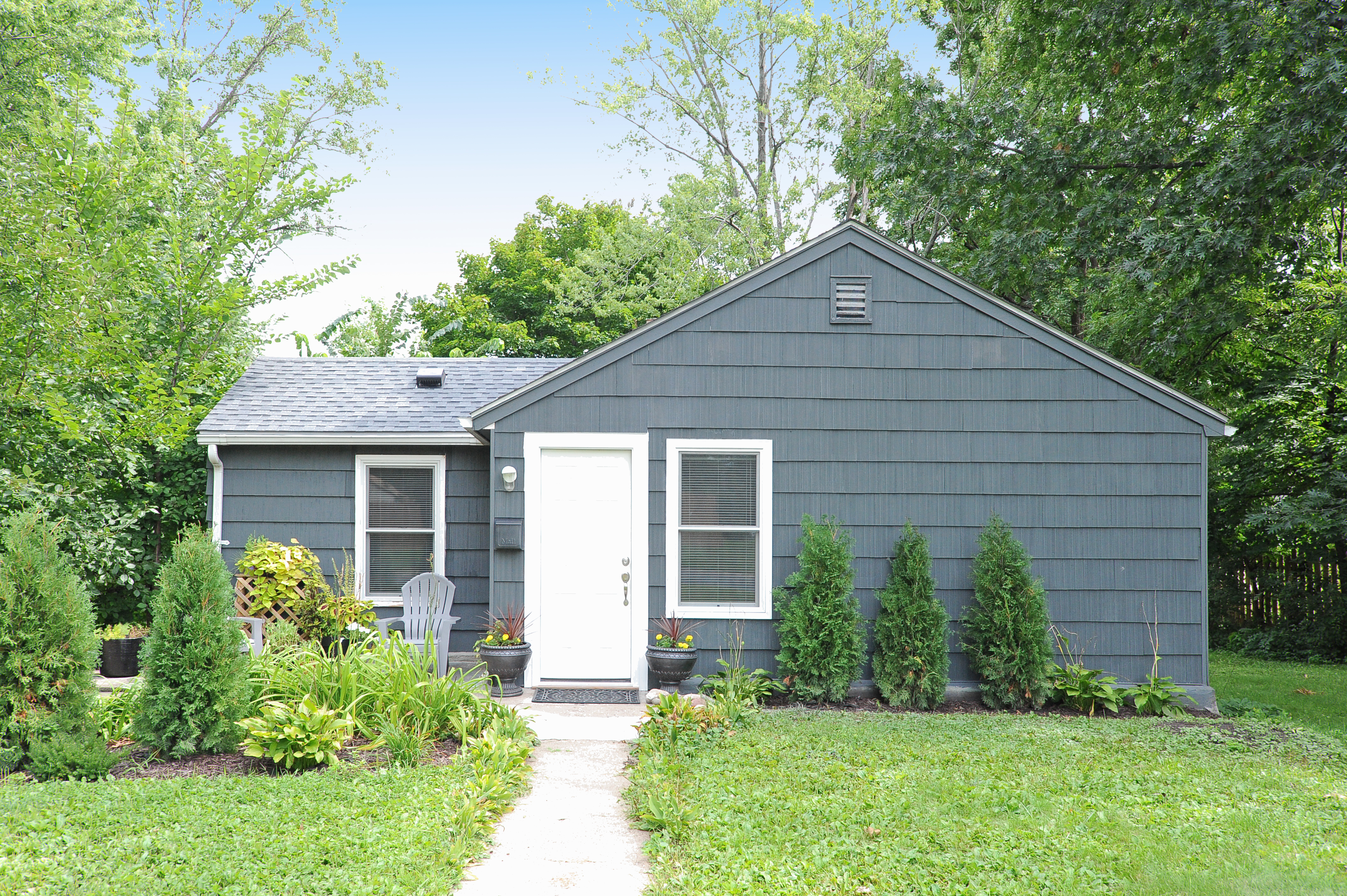8651 Dupont Ave S: Front