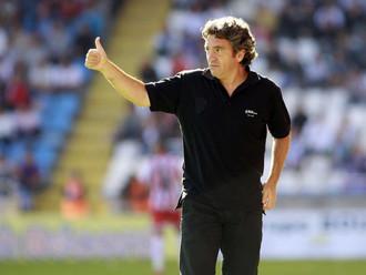 Juanma Lillo, entrenador de fútbol,  (Cultural Leonesa en la Segunda División B la temporada 1991/92