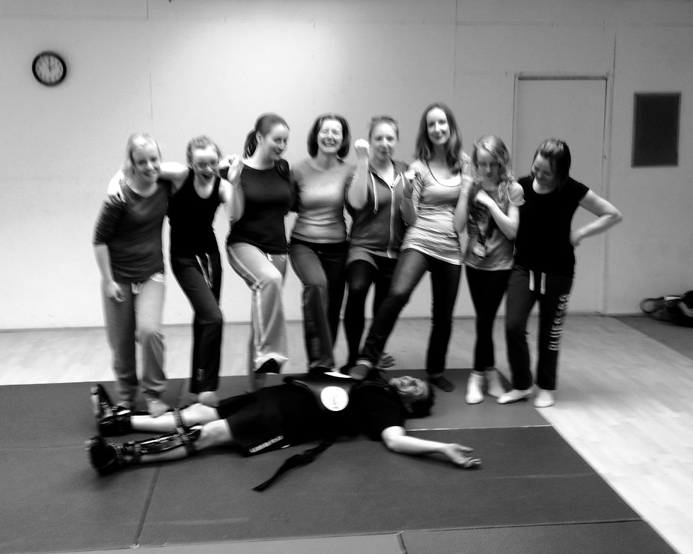 TEAM PHOTO OF THE END OF A FEMALE SELF DEFENCE WORKSHOP