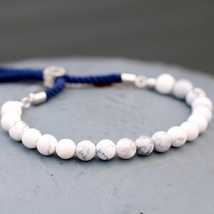 Bracelet   Howlite Blanche plaqué argent 925 - Cordon Bleu foncé -