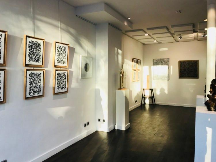 Aperçu de la première exposition Achetez de l'Art à la galerie Médi/is / © Houria Bekkaoui