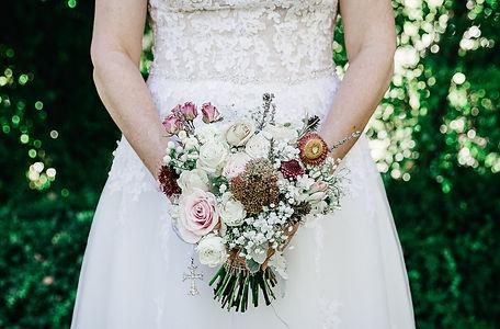 bride, flowers