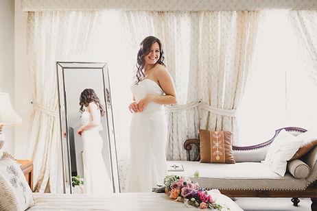 bride getting ready, smile, love