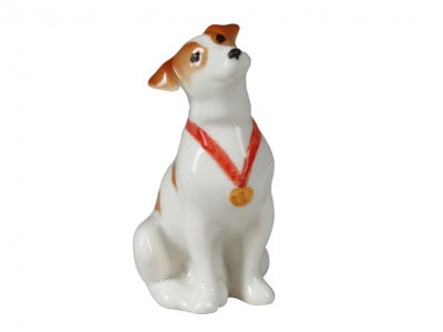 JACK RUSSELL TERRIER DOG SITTING