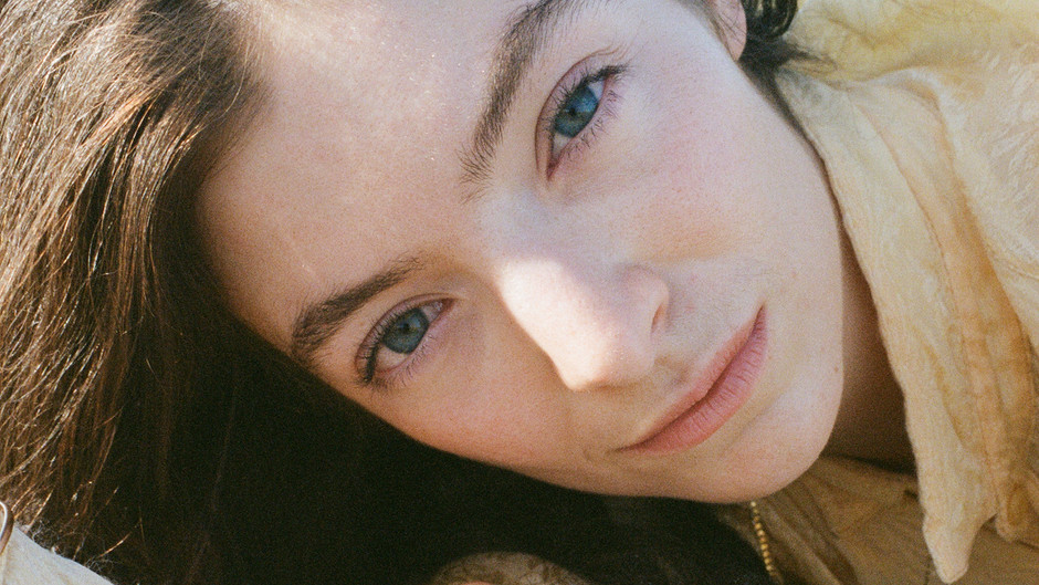 LORDE 'SOLAR POWER' REVIEW