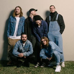 WINSTON SURFSHIRT RETURN WITH 'ALL OF THE LITTLE THINGS'