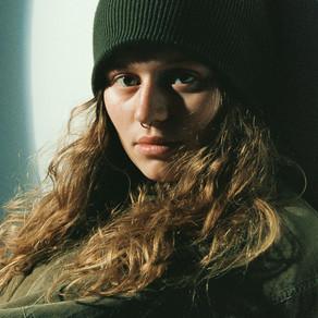 GIRL IN RED DROPS NEW SINGLE 'SEROTONIN' + ANNOUNCES DEBUT ALBUM!