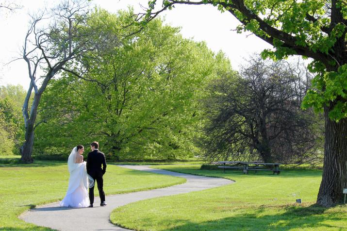 Walking through Cylburn Arboretum